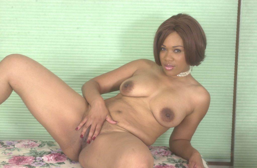ebony masturbating