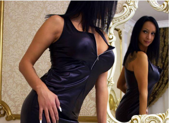 hardcore cam sex with M00nshine on livejasmin.com
