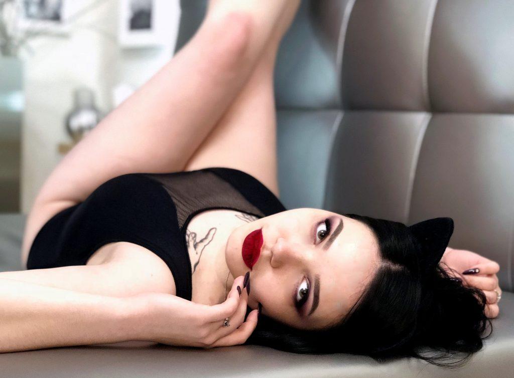 hot xBLACKANGELx fetish cam model