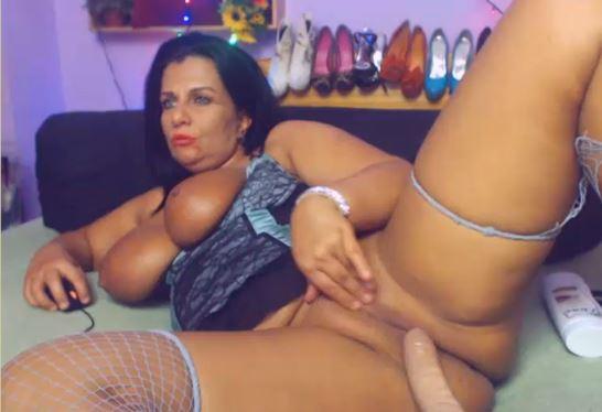 MILFever naked masturbating live on xlovecam.com